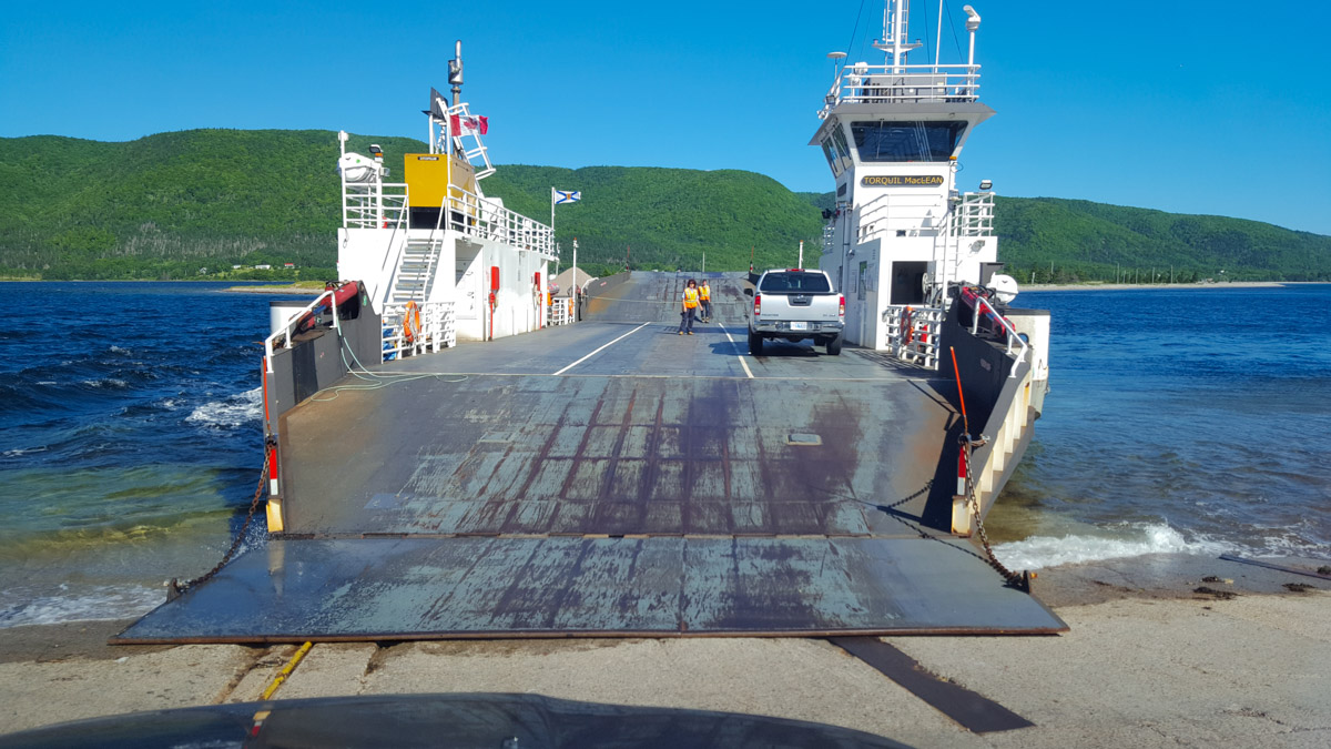 Die Englishtown Cable Ferry