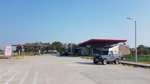 Sicherer Stellplatz bei einer Tankstelle