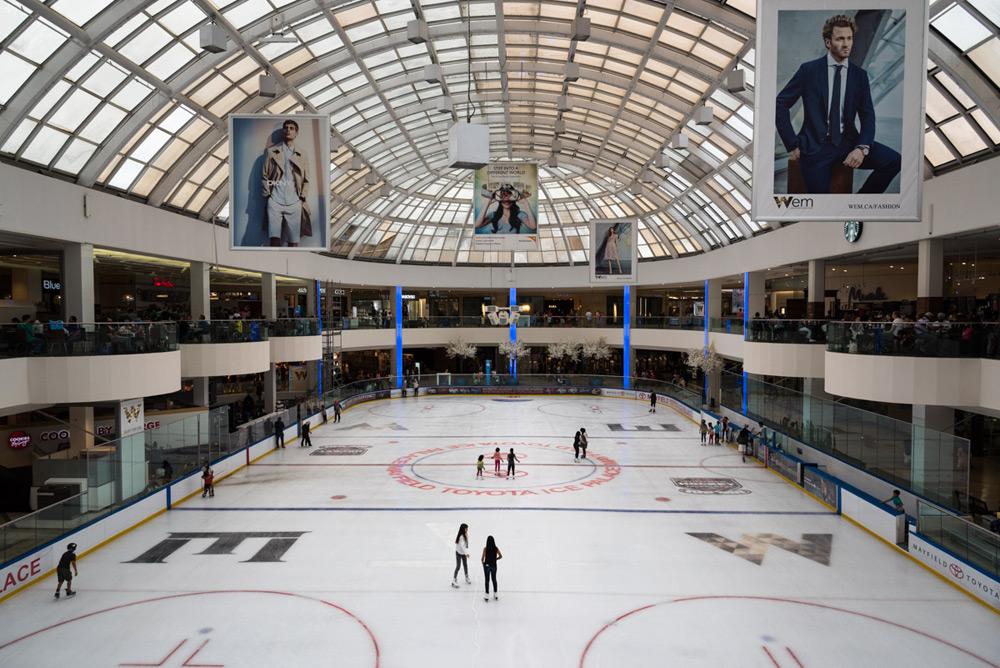 Eislaufbahn in der West Edmonton Mall